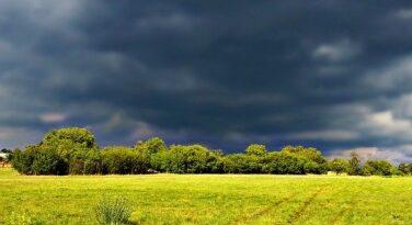 Nagy területre figyelmeztetést adott ki a meteorológiai szolgálat péntekre