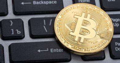 121 ezer dollárnyi bitcoint nyúlhattak le a Twittert meghackelő csalók