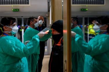 A világban 23,2 millió a fertőzöttek száma, egy nap alatt 5100-an haltak meg