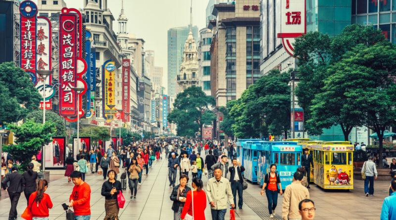 Katonai provokációval vádolja USA Kínát – Újabb kínai vállalatokat szankcionál