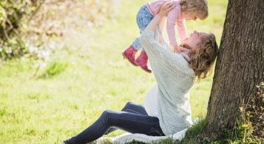 Online tananyag készül a munkába visszatérő kismamáknak