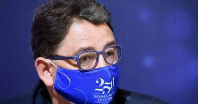 Merkely szerint nagyjából százezer koronavírusos lehet Magyarországon – 10 nap alatt többen fertőződtek meg, mint a járvány első szakaszában