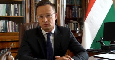 Szijjártó megnevezte, kiket támogat Magyarország
