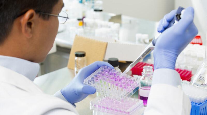Koronavírus: fordulópont előtt Nagy-Britannia, drákói szigort vezetnek be