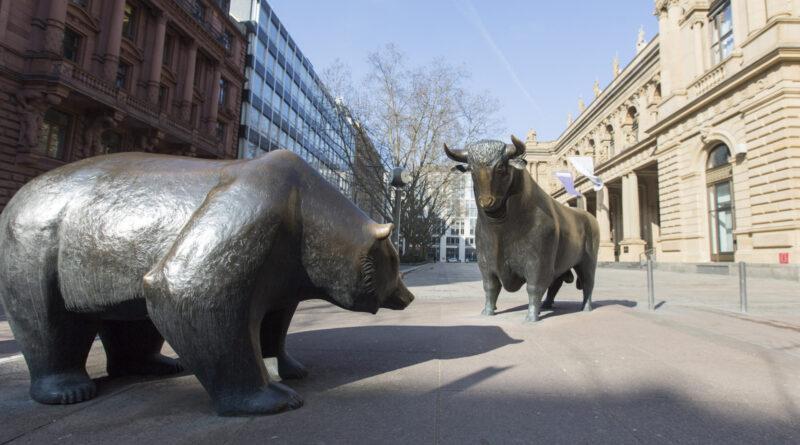 Fordulat a tőzsdéken, tépik a magyar részvényeket is