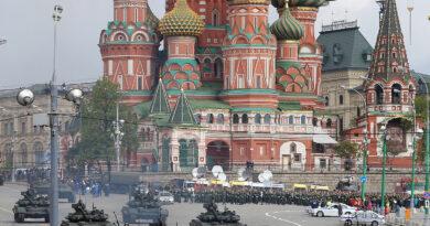 Megkezdődött az orosz vakcina tömeggyártása, két hét iskolai szünet jön Moszkvában