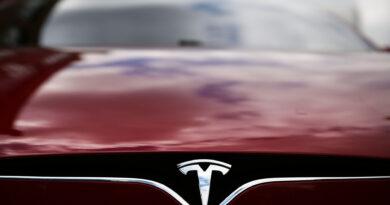 Már a hitelminősítő is pozitívabb, javult a Tesla besorolása