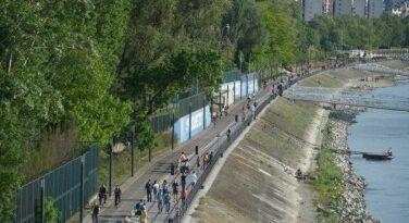 Használja ki – Ezen a hétvégén lesz utoljára a gyalogosoké és a bicikliseké a rakpart
