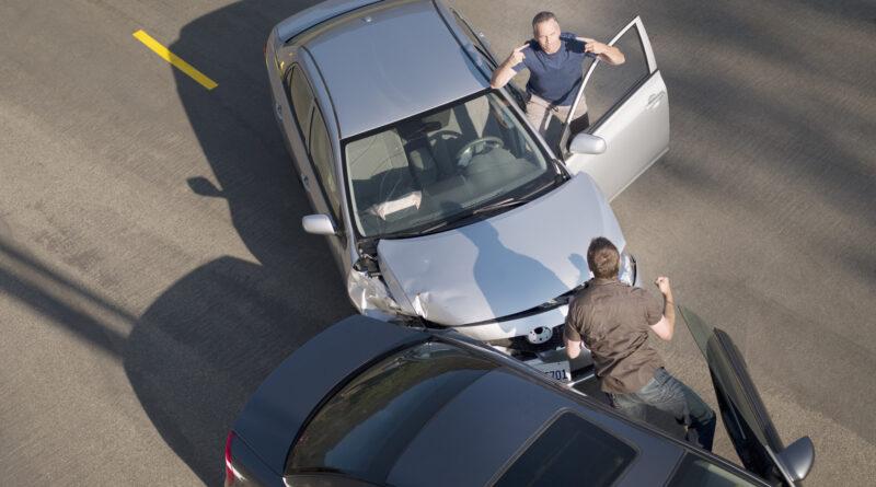 Új helyzet a kötelező biztosításoknál: magyar autósok millióinak kell figyelniük