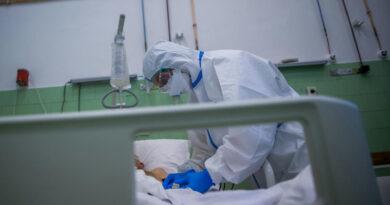 Egy győri orvos kétségbeesett posztban számol be arról, hogy már most megtelt a helyi kórház covid-betegekkel