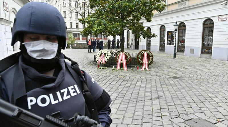 Már 14 embert vettek őrizetbe a bécsi merénylő környezetéből