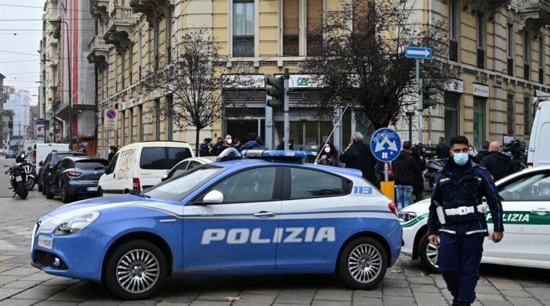 Milánóban bankrablók túszokat ejtettek, aztán megléptek a csatornán keresztül