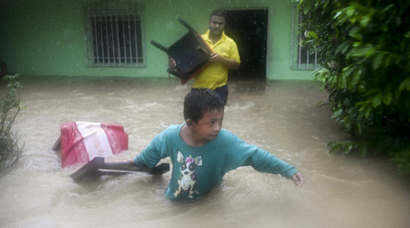 Florida felé tart a Nicaraguában és Hondurasban katasztrofális árvizeket hozó Eta hurrikán