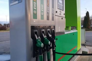 Változik a benzin és a gázolaj ára is péntektől