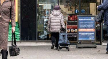 Bevezették a vásárlási idősávot a 65 év felettieknek