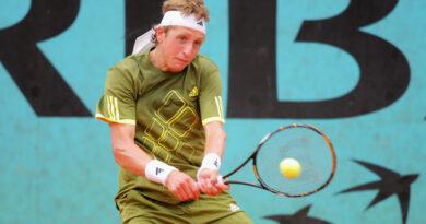 Örökre eltiltották a bundázó teniszjátékost