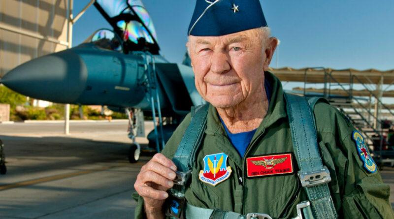Meghalt Chuck Yeager, a pilóta, aki elsőként lépte át a hangsebességet