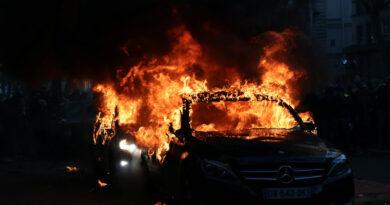 Mindössze 861 autót gyújtottak fel Franciaországban szilveszterkor