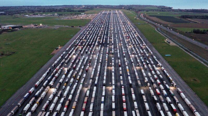 Magyar kamionos Dovernél: Hazafelé mentünk karácsonyra, nem készültünk tartalékkal