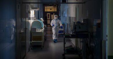Újra emelkedett az elhunytak és a fertőzöttek száma