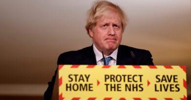 Boris Johnson: Jövő héttől napi több százezren kaphatják meg az oltást