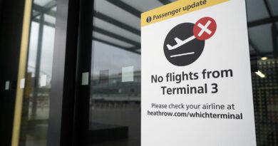 Hétfőtől mindenkinek karanténba kell vonulnia, aki az Egyesült Királyságba utazik