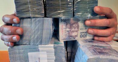 Tintasugaras nyomtatóval hamísított pénzt egy fiatal pár, nem jött be