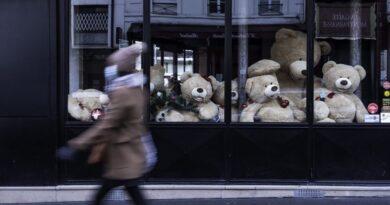 Franciaországban teljes zárlat jöhet