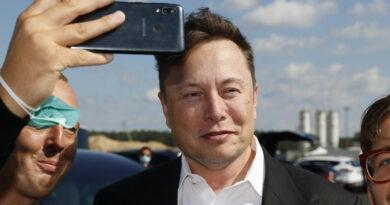 1,5 milliárd dollárért vett bitcoint a Tesla, a kriptovaluta darabja már 44 ezer dollárt ér