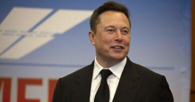 Telefonszolgáltatást építene ki az űrben Elon Musk
