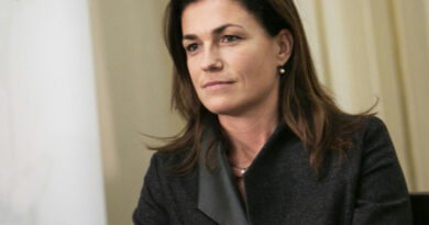 Orbánt diktátorozó példamondatokat kapott Varga Judit, amikor Brüsszelben franciát tanult