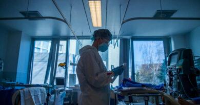 Enyhül a járványhelyzet, de még mindig sokan halnak meg