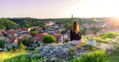 Egyre csak fogy Budapest népessége, egyre többen költöznek a Balaton közelébe
